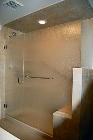 Low-iron rain glass